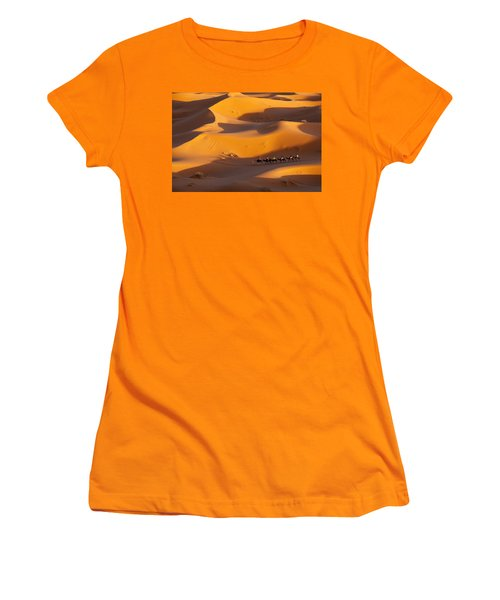 Desert And Caravan Women's T-Shirt (Athletic Fit)
