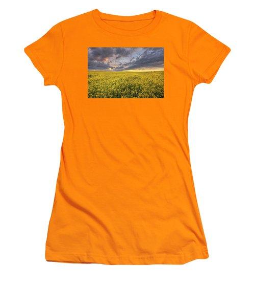 Women's T-Shirt (Junior Cut) featuring the photograph Field Of Gold by Dan Jurak