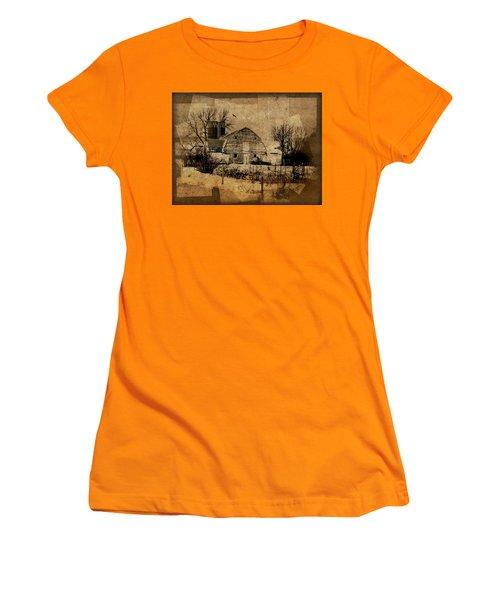 Fragmented Barn  Women's T-Shirt (Junior Cut)