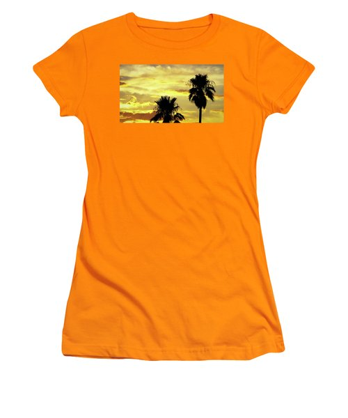 Got To Love Monsoons Women's T-Shirt (Athletic Fit)