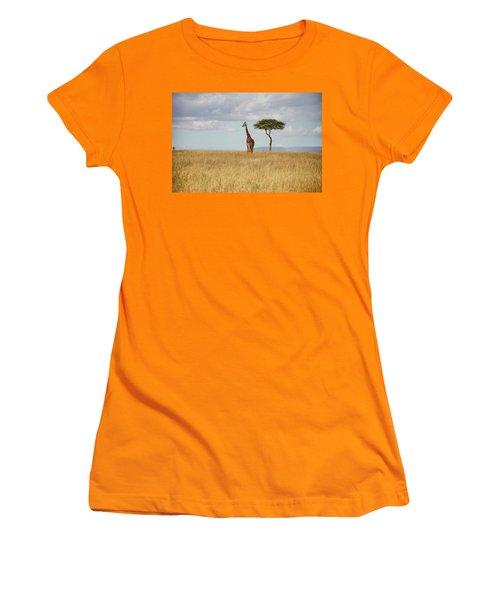 Grazing Giraffe Women's T-Shirt (Athletic Fit)