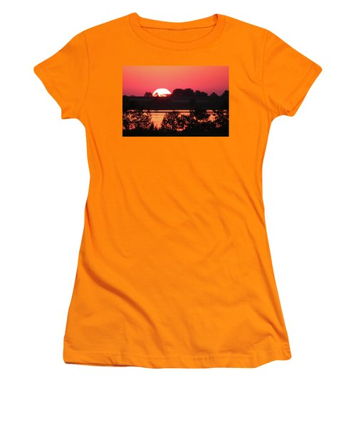 Heat Wave Sunrise Women's T-Shirt (Athletic Fit)