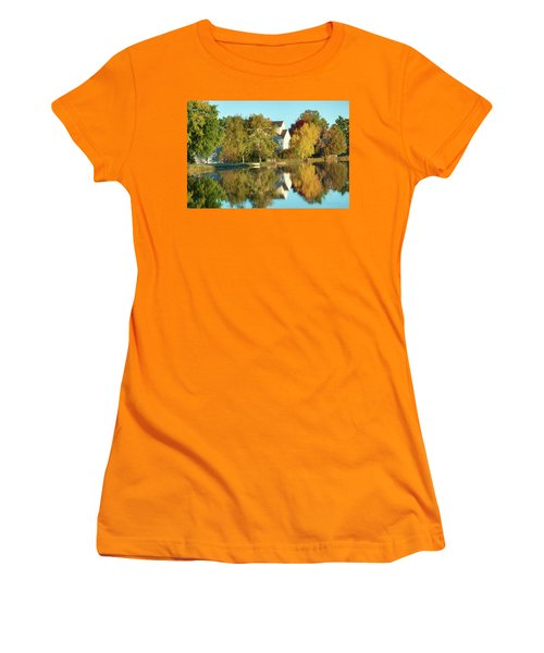 Iola Mill Fall View Women's T-Shirt (Athletic Fit)