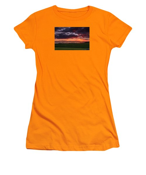 Lake Dumbleyung Sunset Women's T-Shirt (Athletic Fit)