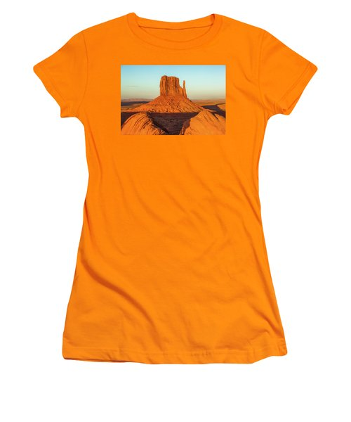 Left Mitten Sunset - Monument Valley Women's T-Shirt (Athletic Fit)
