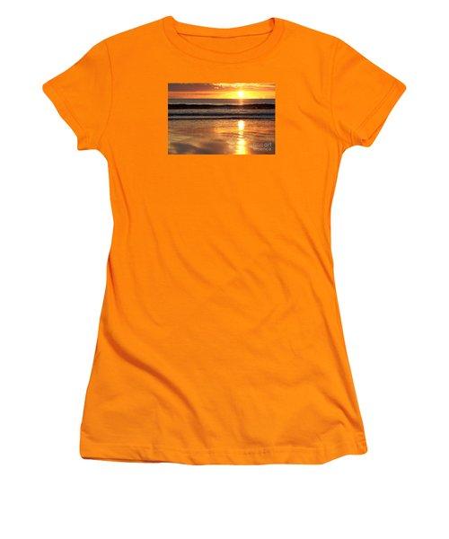 Llangennith Sundown Women's T-Shirt (Athletic Fit)