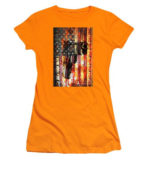 M1911 Silhouette On Rusted American Flag Women's T-Shirt (Athletic Fit)