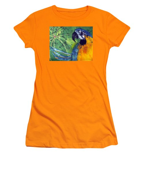 Macaw Women's T-Shirt (Athletic Fit)