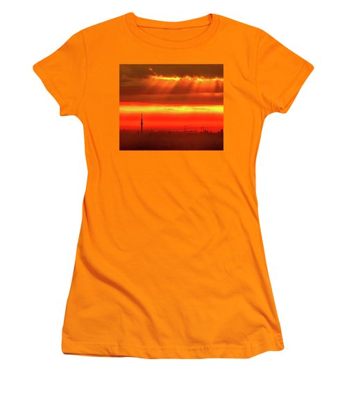 Women's T-Shirt (Junior Cut) featuring the photograph Morning Glow by Tatsuya Atarashi