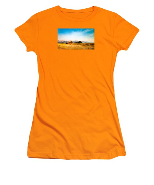 Women's T-Shirt (Junior Cut) featuring the photograph Moulton Barn by Cathy Donohoue