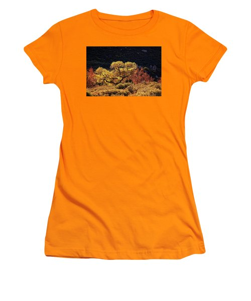 November In Arizona Women's T-Shirt (Athletic Fit)