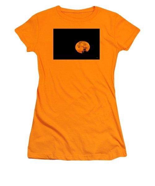 Women's T-Shirt (Junior Cut) featuring the photograph Pierhead Supermoon Silhouette by Everet Regal