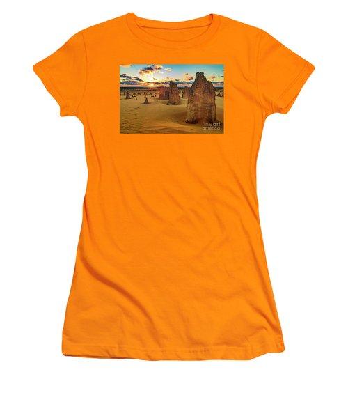 Pinnacles 8 Women's T-Shirt (Athletic Fit)