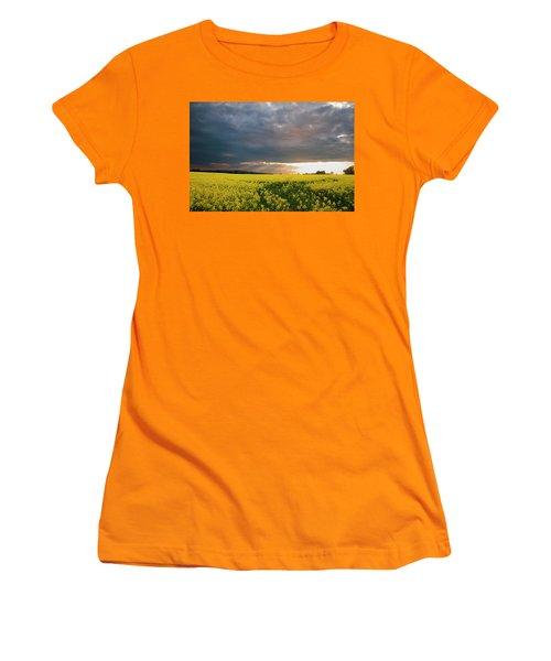 Rays At Sunset Women's T-Shirt (Junior Cut) by Rob Hemphill