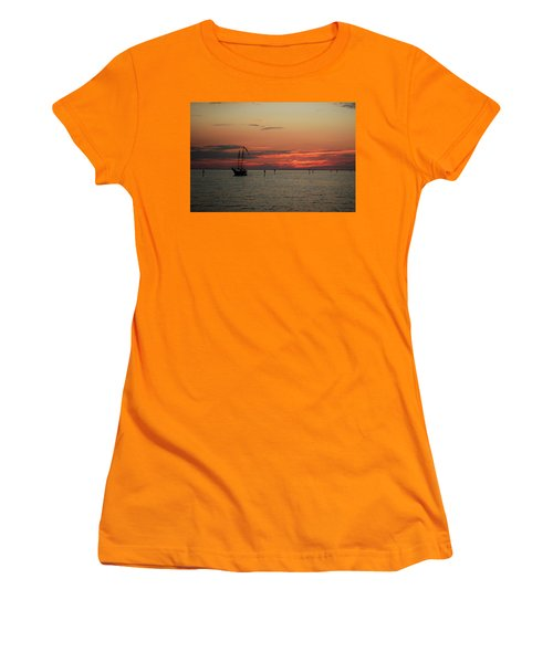 Sailing Sunset Women's T-Shirt (Athletic Fit)