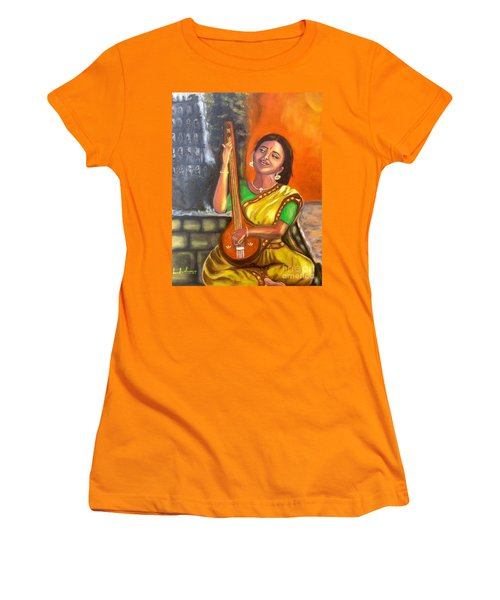 Singing @ Sunrise  Women's T-Shirt (Athletic Fit)