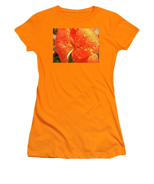 Stunning Canna Lily Women's T-Shirt (Athletic Fit)