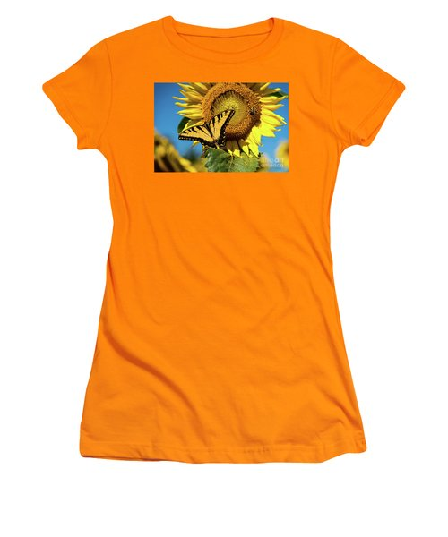 Summer Friends Women's T-Shirt (Junior Cut)