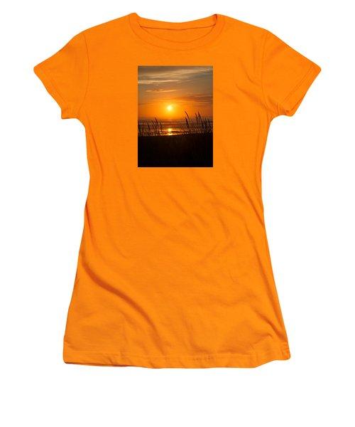 Sun Setting 2 Women's T-Shirt (Junior Cut) by Adria Trail