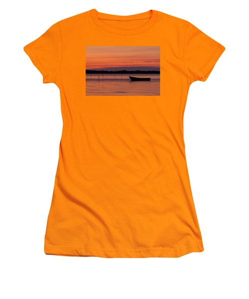 Sunset Boat Women's T-Shirt (Athletic Fit)