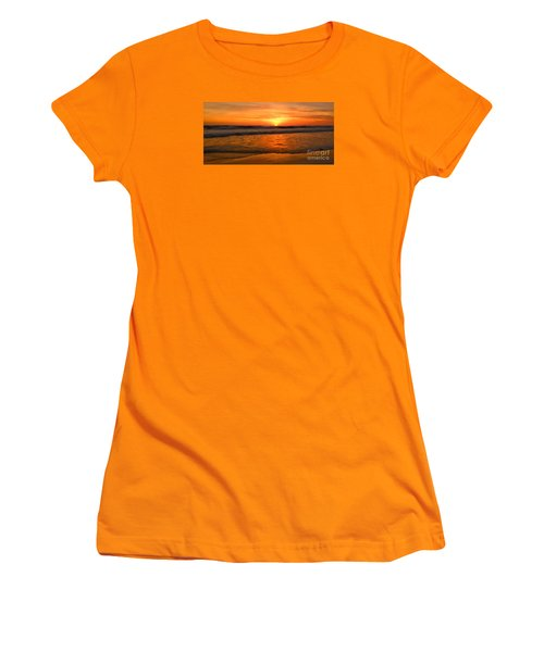 Cardiff Waves Women's T-Shirt (Athletic Fit)