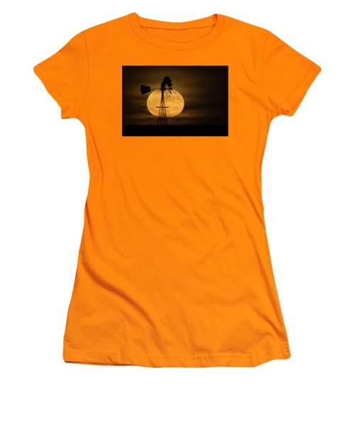 Supermoon Rise 4  11-14-2016 Women's T-Shirt (Athletic Fit)