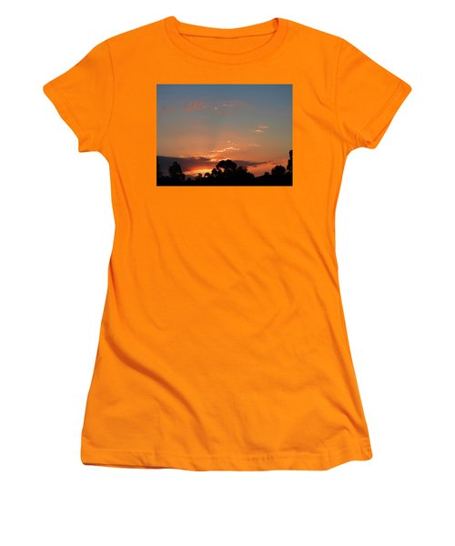 Women's T-Shirt (Athletic Fit) featuring the photograph Thursday Sunset by Mark Blauhoefer