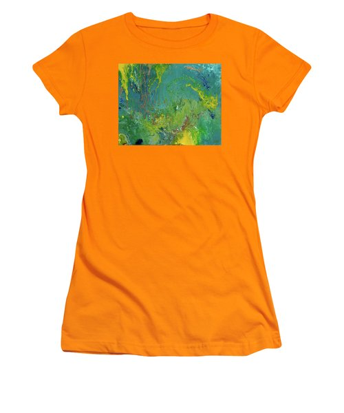 Underwater Paradise Women's T-Shirt (Athletic Fit)