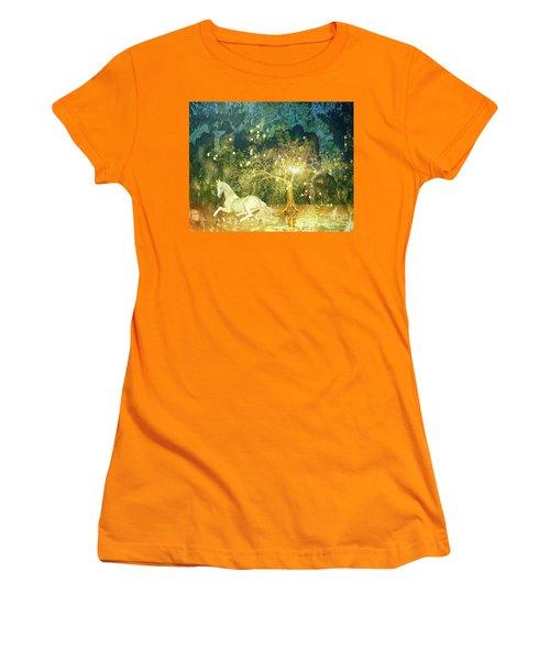 Unicorn Resting Series 3 Women's T-Shirt (Athletic Fit)