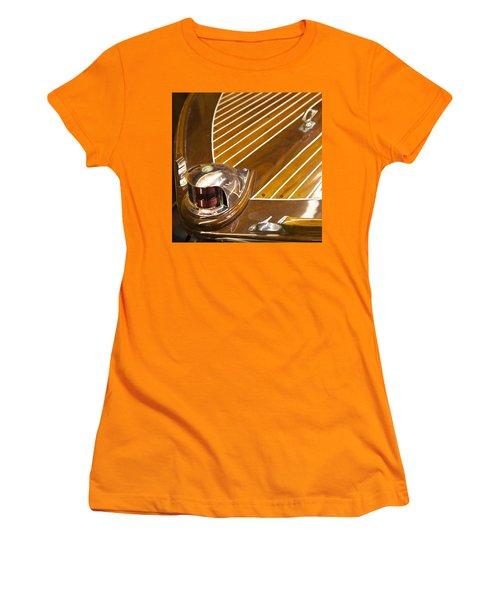 Vintage Century Bow Light Women's T-Shirt (Athletic Fit)