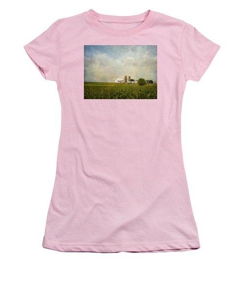 Amish Farmland Women's T-Shirt (Athletic Fit)