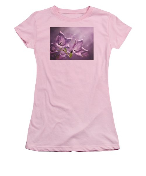 Balloon Flowers Women's T-Shirt (Athletic Fit)