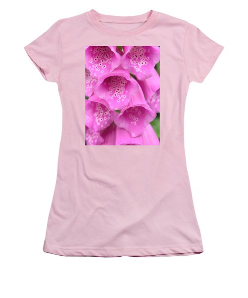 Fox Glove Women's T-Shirt (Athletic Fit)