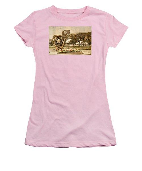 Gig'em Women's T-Shirt (Athletic Fit)