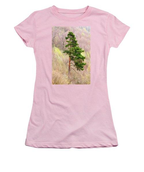 Women's T-Shirt (Junior Cut) featuring the photograph Lone Pine by Les Palenik