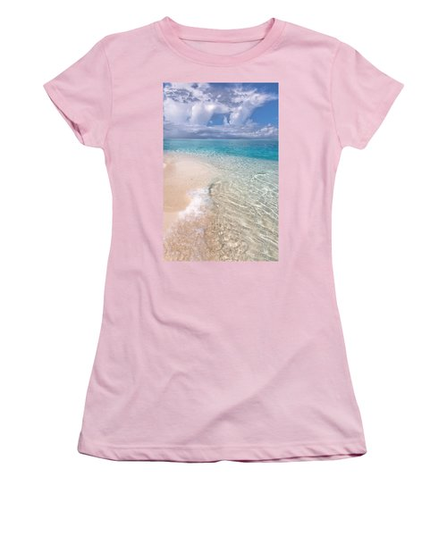 Natural Wonder. Maldives Women's T-Shirt (Athletic Fit)