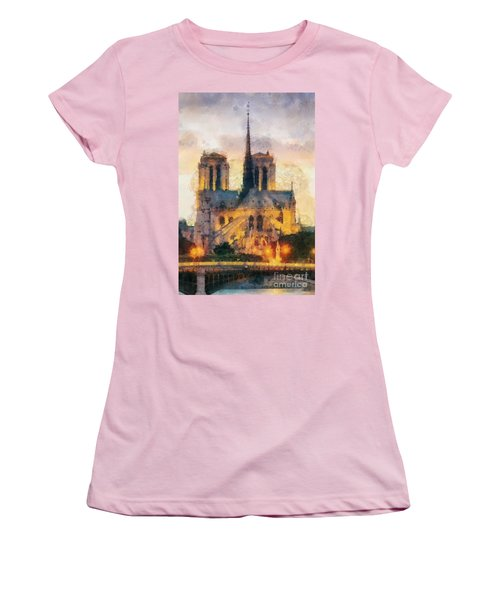 Notre Dame De Paris Women's T-Shirt (Athletic Fit)