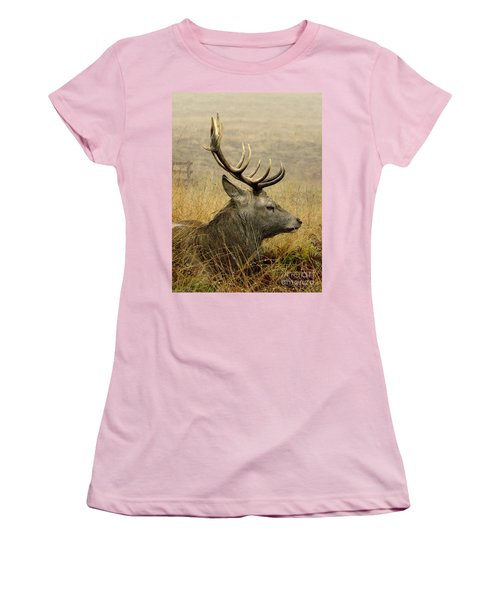Resting Stag Women's T-Shirt (Athletic Fit)
