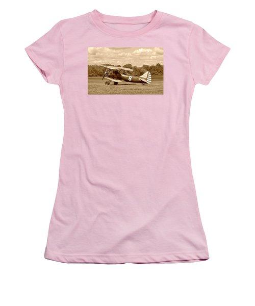 Women's T-Shirt (Junior Cut) featuring the photograph Waco Upf-7 by Jean Goodwin Brooks