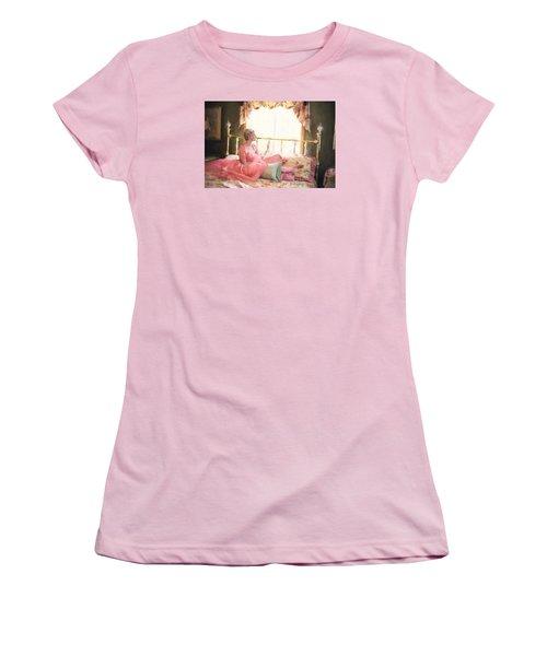 Vintage Val Bedroom Dreams Women's T-Shirt (Junior Cut) by Jill Wellington