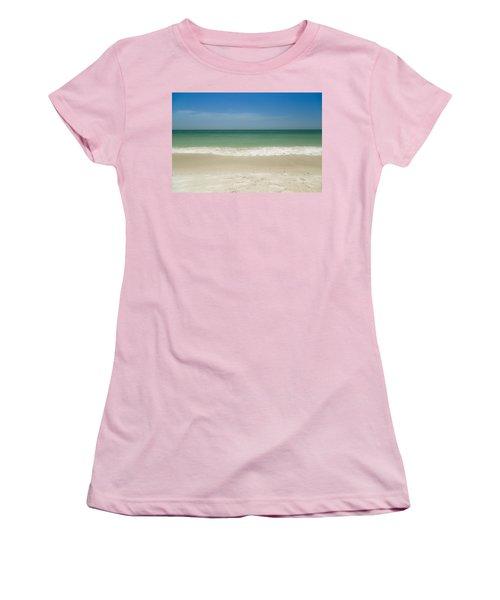 A Calm Wave Women's T-Shirt (Athletic Fit)