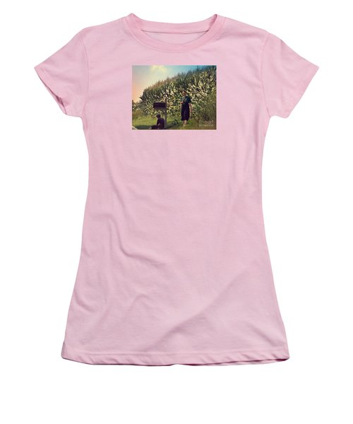 Amish Girls Watermelon Break Women's T-Shirt (Athletic Fit)