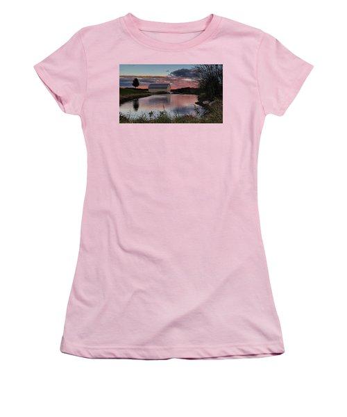 Country Living Sunset Women's T-Shirt (Junior Cut) by Lara Ellis
