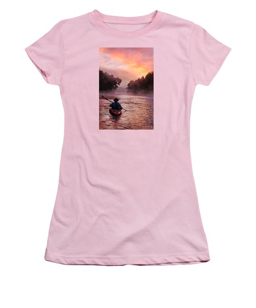 Following The Light Women's T-Shirt (Athletic Fit)