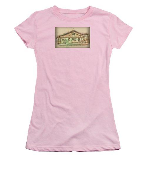 Green Parrot Women's T-Shirt (Junior Cut) by Scott Meyer