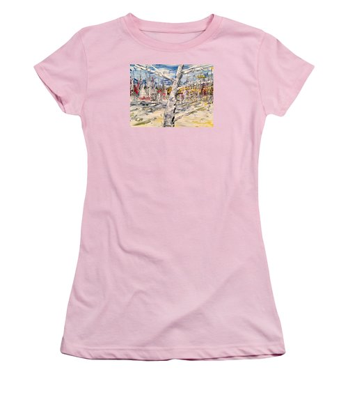 In The Middle Women's T-Shirt (Athletic Fit)