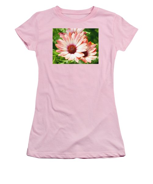 Macro Pink Cinnamon Tradewind Flower In The Garden Women's T-Shirt (Athletic Fit)