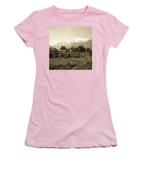 Rondavel In The Drakensburg Women's T-Shirt (Athletic Fit)