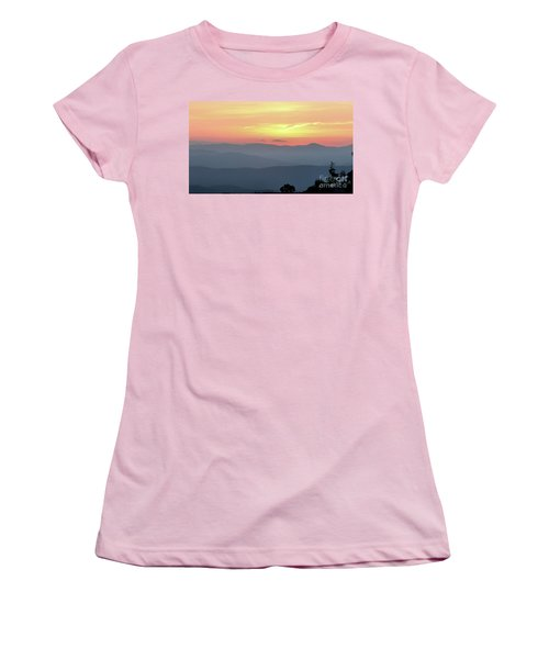 Smokey Mnt Sunset Women's T-Shirt (Athletic Fit)