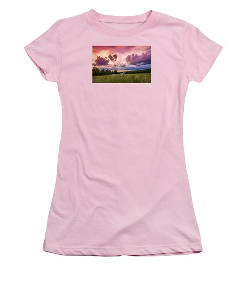 Sunset In Rear Intervale Women's T-Shirt (Athletic Fit)